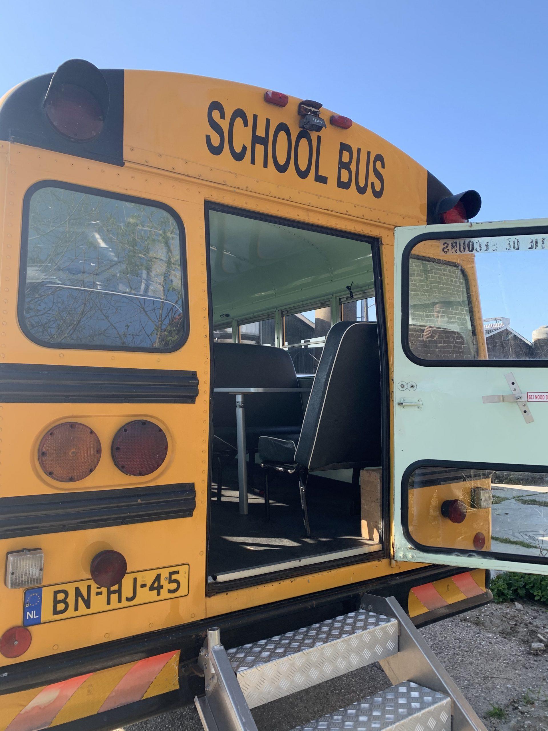 old american schoolbus horeca